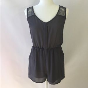 DIVIDED H & M Gray lace Romper Size 6